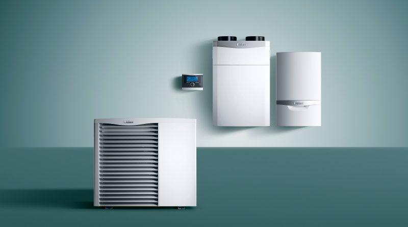 Pompa ciepła, gazowy kocioł kondensacyjny i regulator pogodowy w systemie hybrydowym
