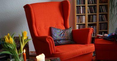 fotel tapicerowany do karmienia
