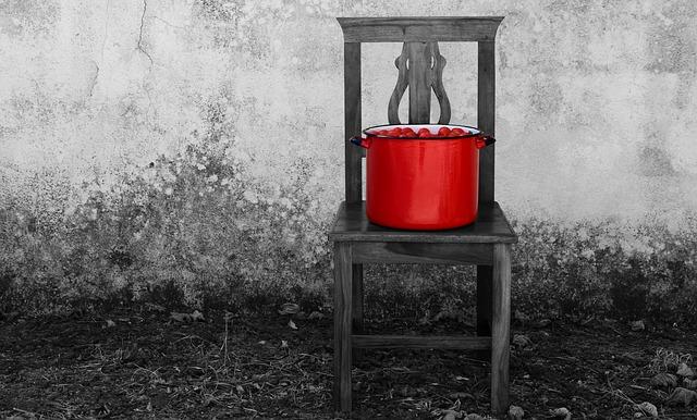 czerwony garnek